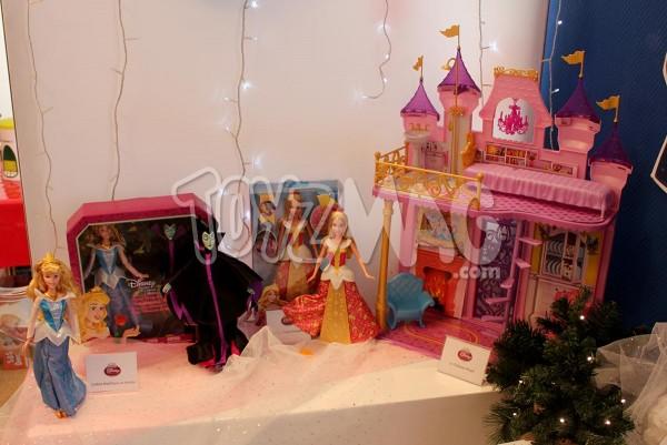 Princesse Disney MAttel Reine de Neige Elsa / Aurore Belle au bois dormant