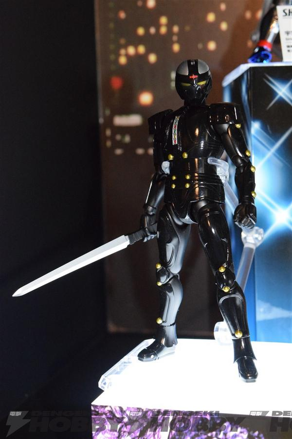 SH-Figuarts-Mad-Gallant
