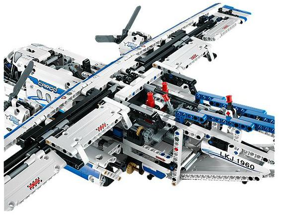 lego technic cargo plane 1
