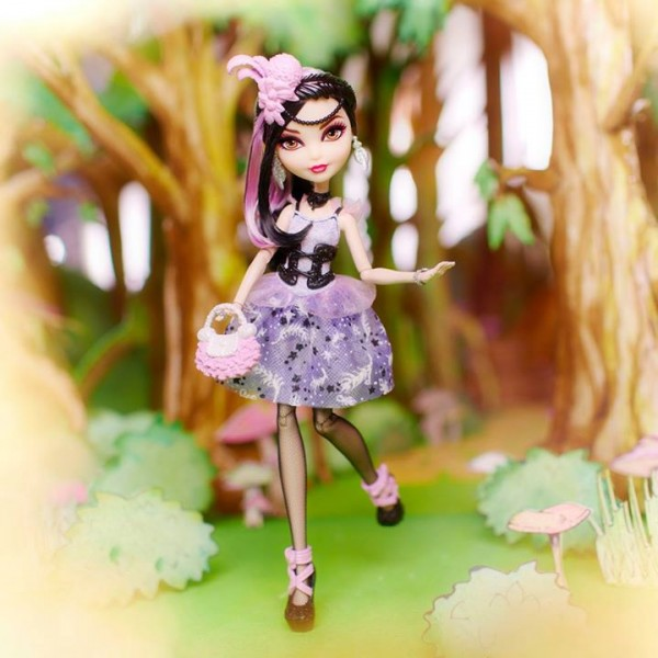 Duchesse Swan Ever After High