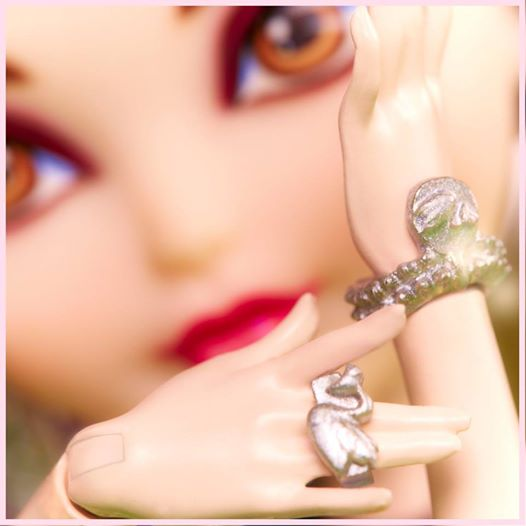 EAH Duchesse Swan