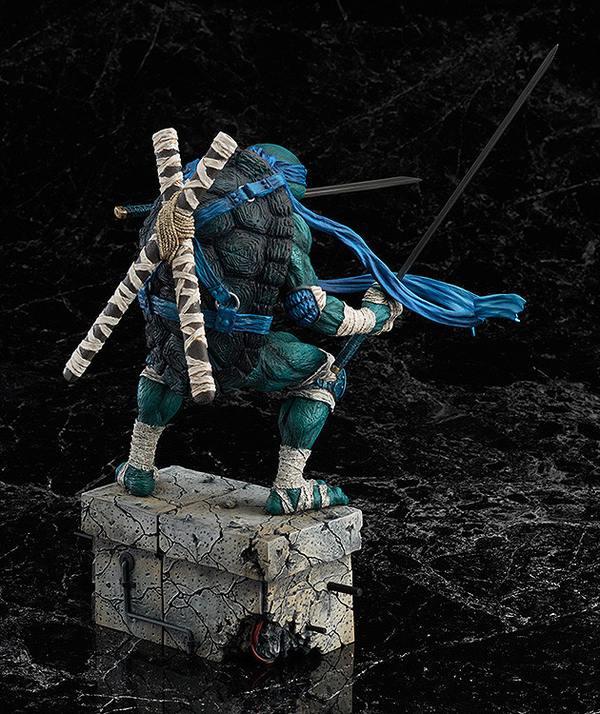Leonardo_Statue_GoodSmile_05