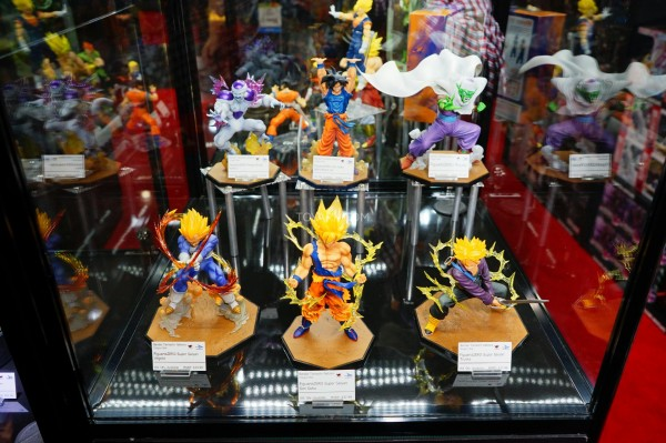 Toy-Fair-2015-Bluefin-Booth-FiguartsZero-DBZ-001
