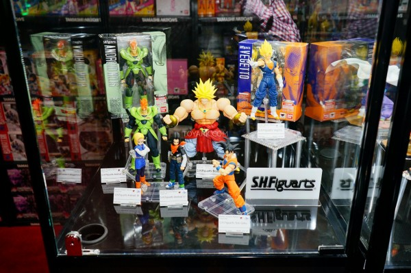 Toy-Fair-2015-Bluefin-Booth-SH-Figuarts-DBZ-001