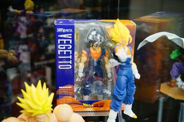 Toy-Fair-2015-Bluefin-Booth-SH-Figuarts-DBZ-005