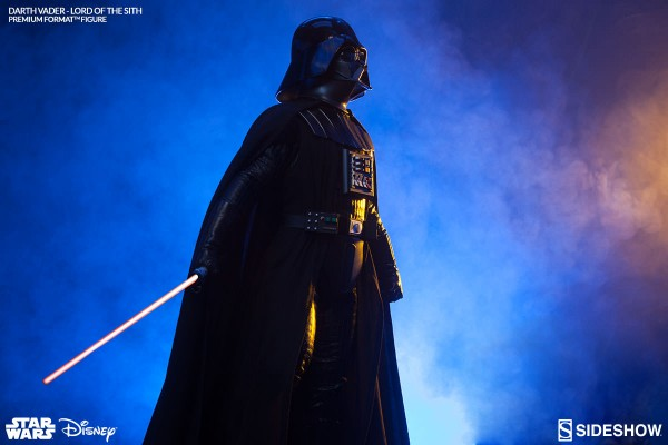 0002-300093-darth-vader-lord-of-the-sith-002