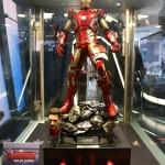 hot toys quarter scale iron man