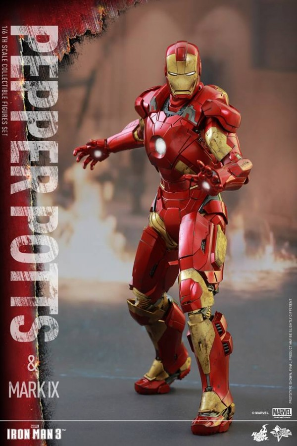 Iron Man 3 1/6th scale Pepper Potts & Mark IX Collectible Figures.
