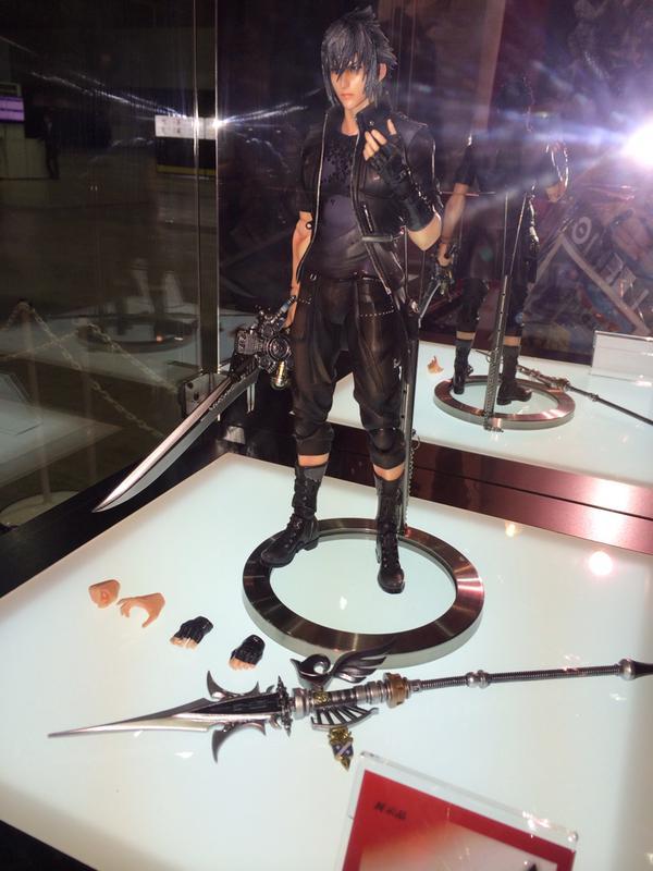FANTASY XV Noctis play arts kai Tokyo game show 2015