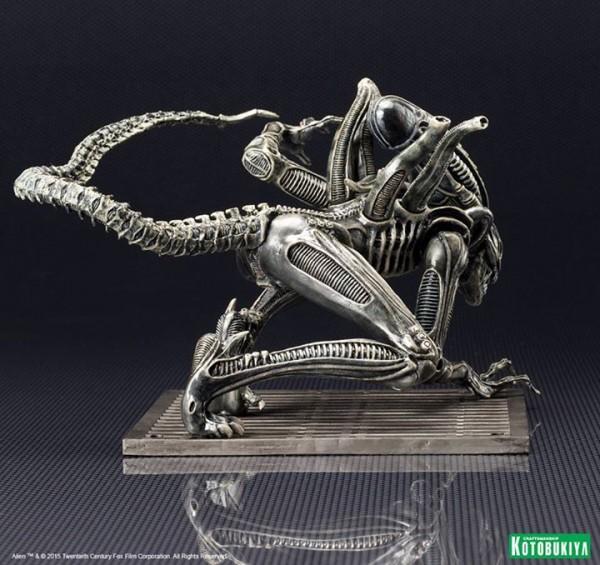 Alien Warrior Drone ARTFX+ Statue