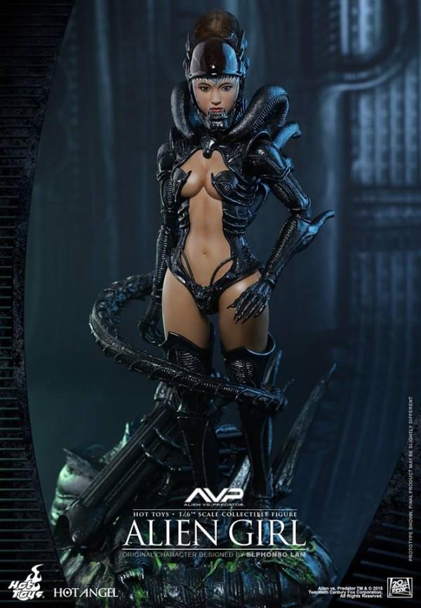 alien-girl-hot-toys3