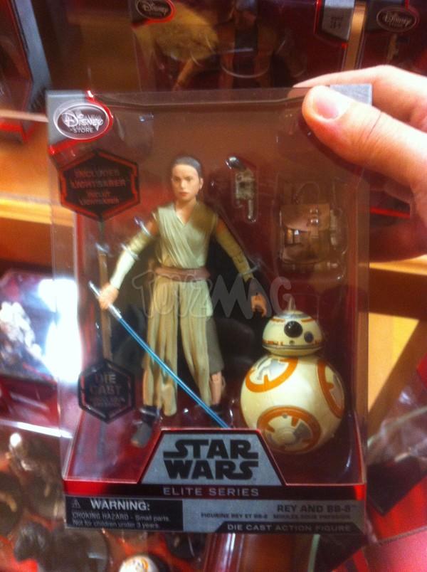 Figurines miniatures de 15 cm, série Elite Star Wars, Rey et BB-8 disponible sur le DisneyStore.fr au prix de 24,90€- VOIR ICI