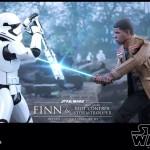 Finn et Riot Control Stormtrooper par Hot Toys