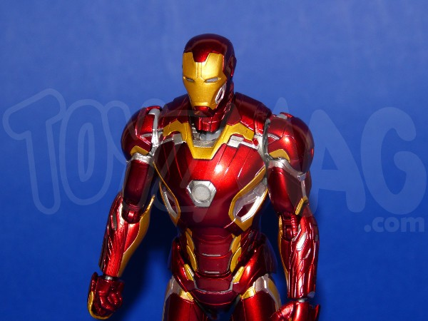 SH-figuarts-avengers2-iron-man-mk-45-10