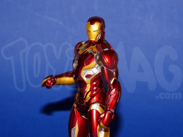 SH-figuarts-avengers2-iron-man-mk-45-4