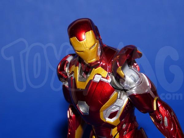 SH-figuarts-avengers2-iron-man-mk-45-8