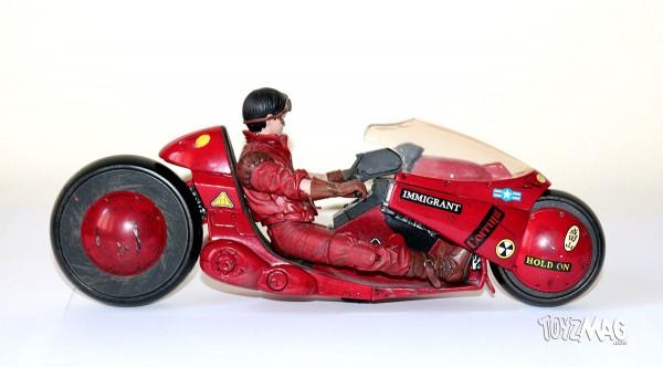 Kaneda sur sa moto / Kaneda on bike - AKIRA - McFarlane TKaneda sur sa moto / Kaneda on bike - AKIRA - McFarlane Toys serie 2 - 2001oys serie 2 - 2001