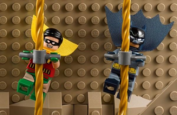 76052-Batman-Classic-TV-Series-Batcave-07