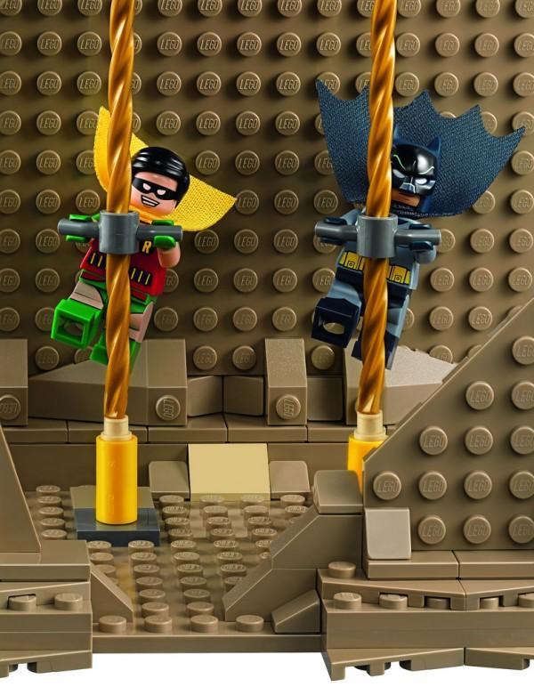 76052-Batman-Classic-TV-Series-Batcave-18
