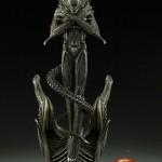 alien-internecivus-raptus-statue-05
