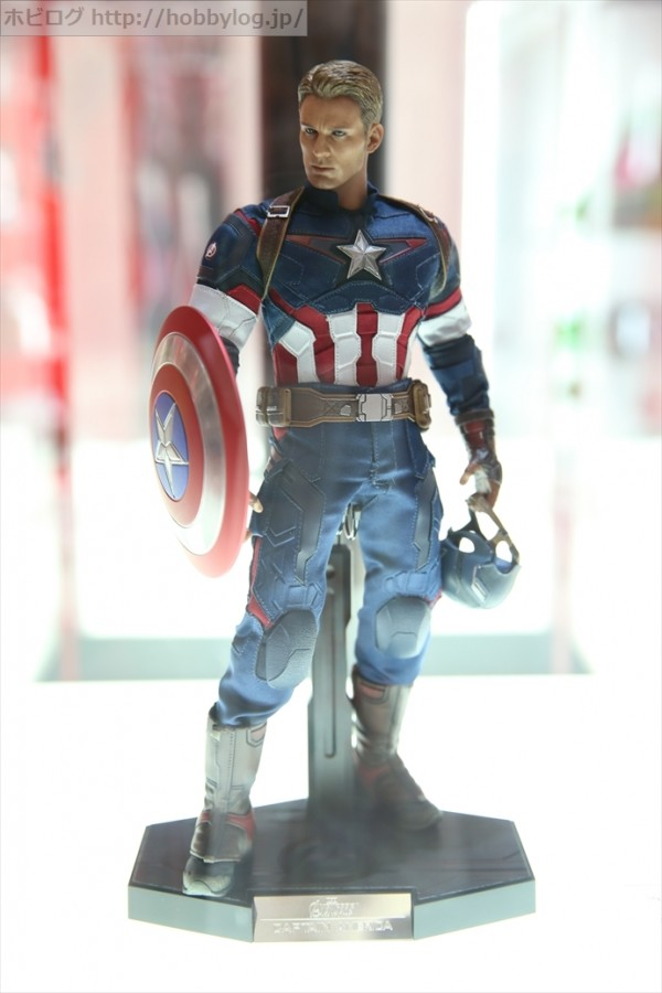 hot toys Civil War captain America