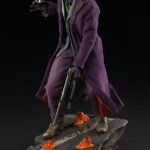dc-comics-the-joker-the-dark-knight-premium-format-05