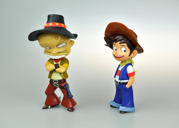 DANBEE and GORO 2 Pack exclusive ~ 500 pcs limited edition ~