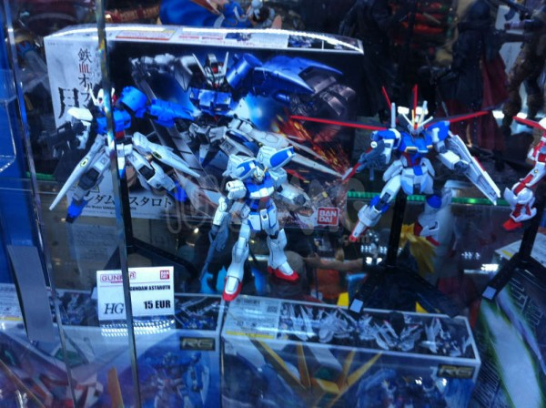Showroom Gundam Gunpla - Manga Story