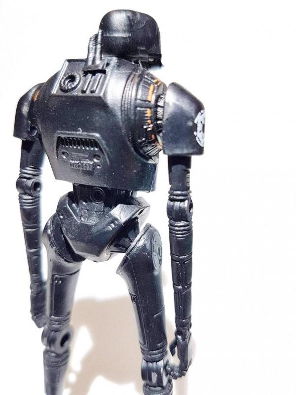 Star Wars Rogue One : la figurine K-2SO en images