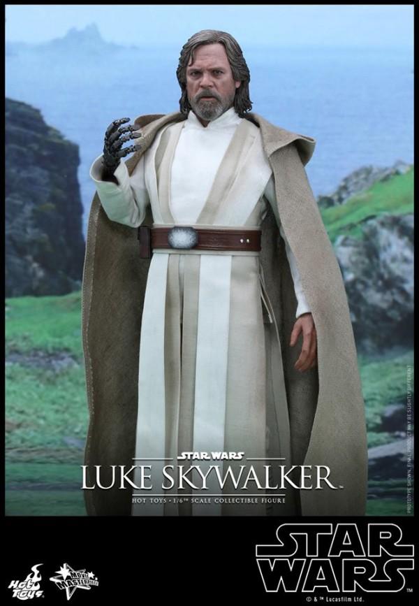 Luke Skywalker The Force Awakens par Hot ToysLuke Skywalker The Force Awakens par Hot Toys