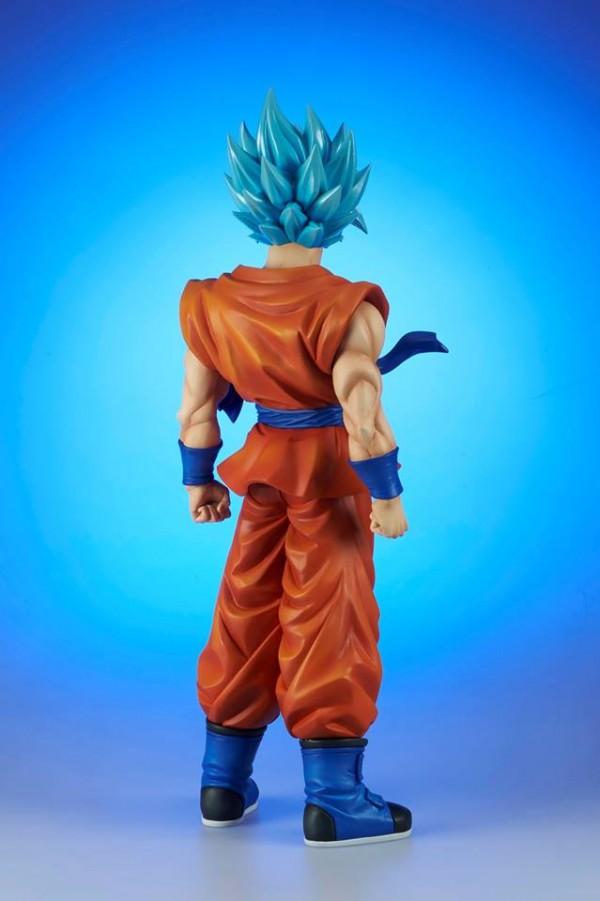 Gigantic Dragon Ball Super SSGSS Goku - Resurrection F