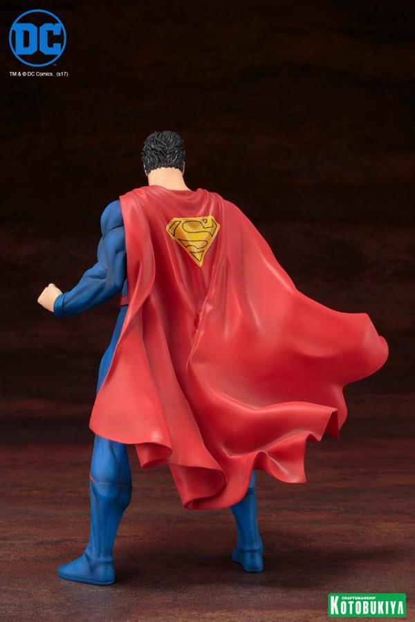 Superman Rebirth ARTFX+ Statue.
